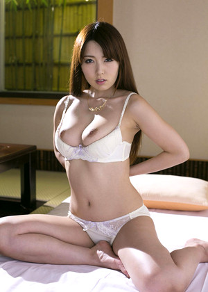 Japanese Yui Hatano Buttock Sexy Naked jpg 2