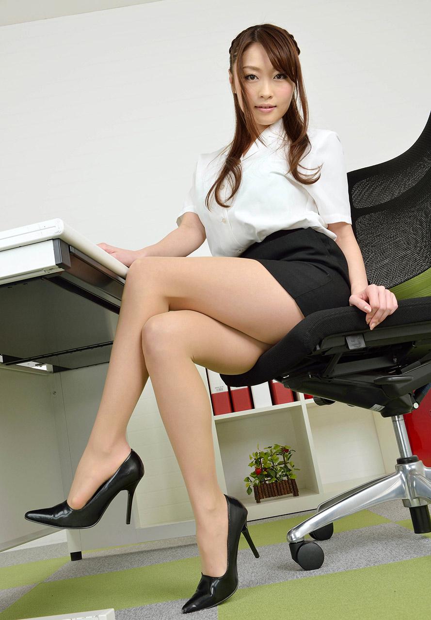 Beautiful Asian secretary Sharon Lee getting fucked by long cock at work № 209649 без смс