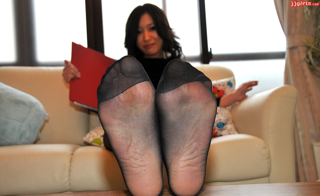 Easy Hot Pics - Pantyhose and Stockings