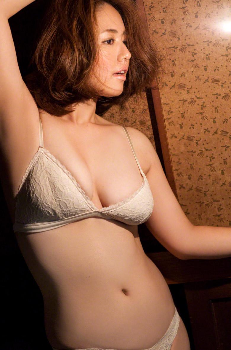 Beautiful nude women perfect naked asses