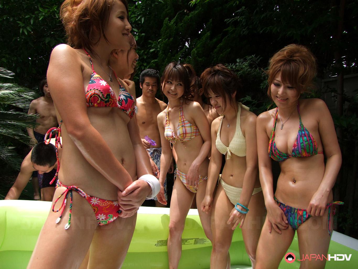 4 Japanese Girls One Guy